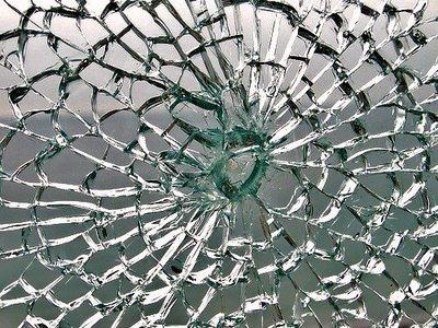vidro_temperado_quebrado