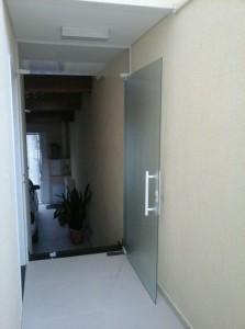 porta pivotante 04